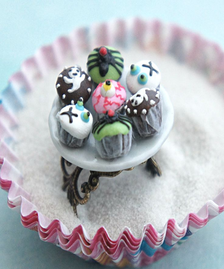 halloween cupcake plate ring