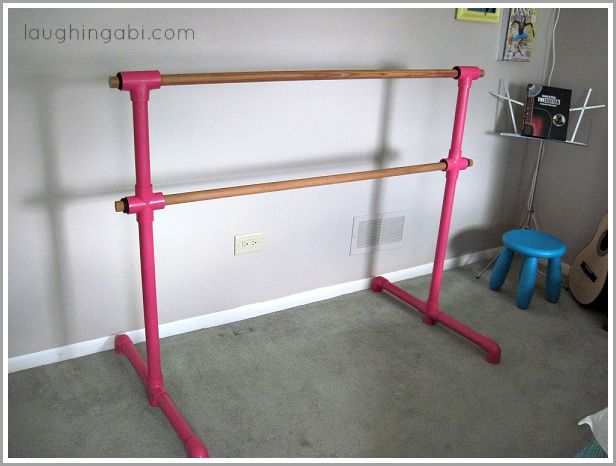 I want one of these! Maybe its time to get crafty...(DIY Portable Ballet Barre | laughingabi.com)