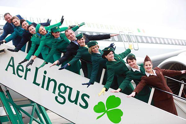 エアリンガス:客室乗務員の制服。 アイルランド。 1