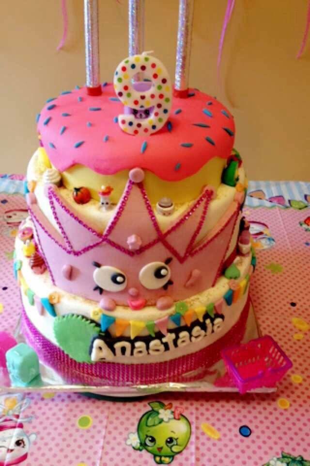 Shopkins Cake...Splurge, Treat Yourself!  Follow us on Facebook:  https://m.facebook.com/splurgedessertsandcatering/