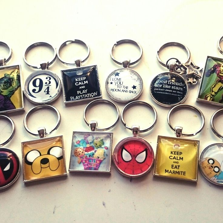 Getting stock made and sorted ready for this weekends Christmas market in Chesterfield on Sunday 😀😍 #Craftyjujudesigns #Christmas #christmasmarket #Chesterfield #Chesterfiedmarket #lightsswitchon #adventuretime  #keyrings #geek #harrypotter #avengers