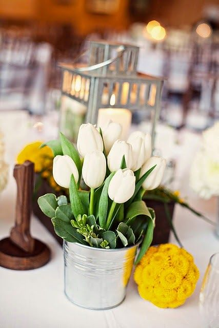 Beautiful Bridal: 19 Amazing Tulip Centerpieces