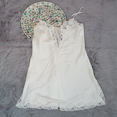 Victorias Secret Womens Nightie Size Small White Lace Chemise Teddy Lingerie 771