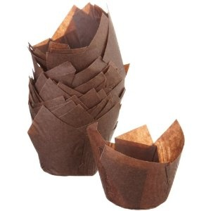 LITTLE CUPS: These cute, rustic baking cups in brown are a throwback to the past. Nice.