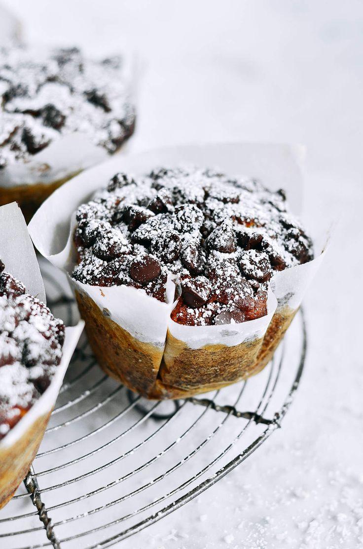 Flourless chocolate zucchini banana muffins