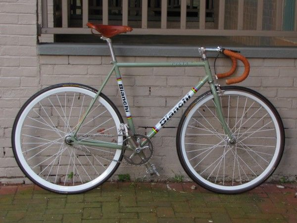 2007 Bianchi Pista, a beautiful fixie.