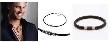 Collares para hombres. Cómo llevarlos #collares #colgantes #hombres #hombre #chicos #chico #masculino #masculinos #moda #tendencia