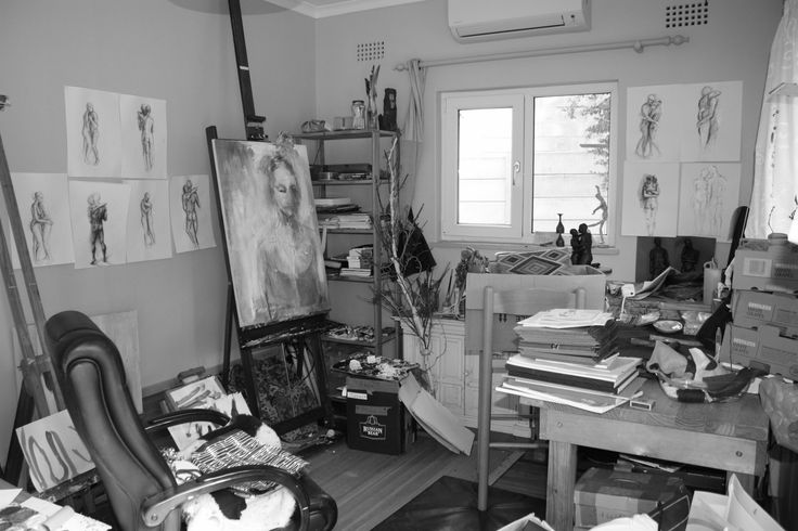 Minimalism vs. Art and Crafting: How can one marry the philosophy of Minimalism with the chaos (and heaps of junk) that have always, for me, defined what a creative space is and what an artist needs?