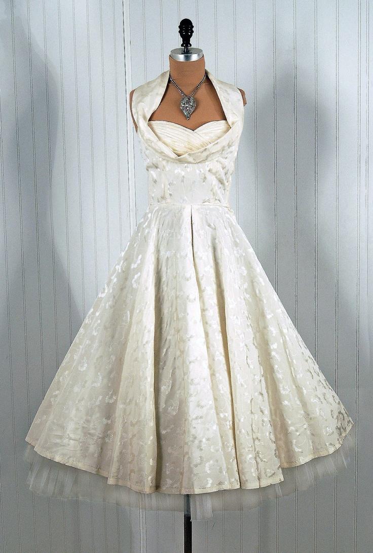 24 best wedding dress images on Pinterest | Wedding frocks, Wedding ...