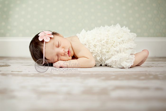 creative ideas for newborn photography