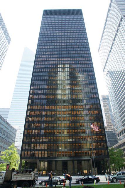 Ludwig Mies van der Rohe | Seagram Building (1954-1958) | Artsy