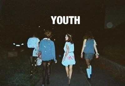 Afbeelding via We Heart It https://weheartit.com/entry/165612846 #black #cool #ForeverYoung #grunge #teen #tumblr #vintage #young