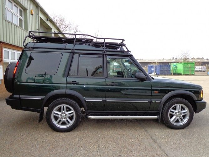 Land Rover Discovery 2 With Roof Rails Roof Rack Gutter Mount Safety Devices Experts In Automotive S Land Rover Discovery 2 Land Rover Land Rover Discovery