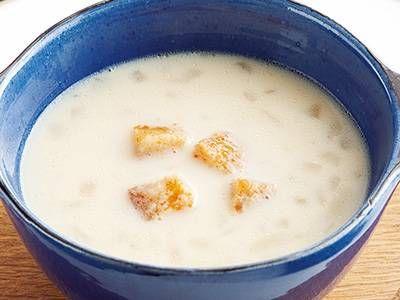 高城 順子さんの「コーンとソーセージのミルクスープ」のレシピページです。朝食や軽食におすすめ。トーストを添えることでボリュームも栄養価もアップします。 材料: コーン、ウインナーソーセージ、たまねぎ、食パン、バター、固形スープの素、牛乳、塩、こしょう