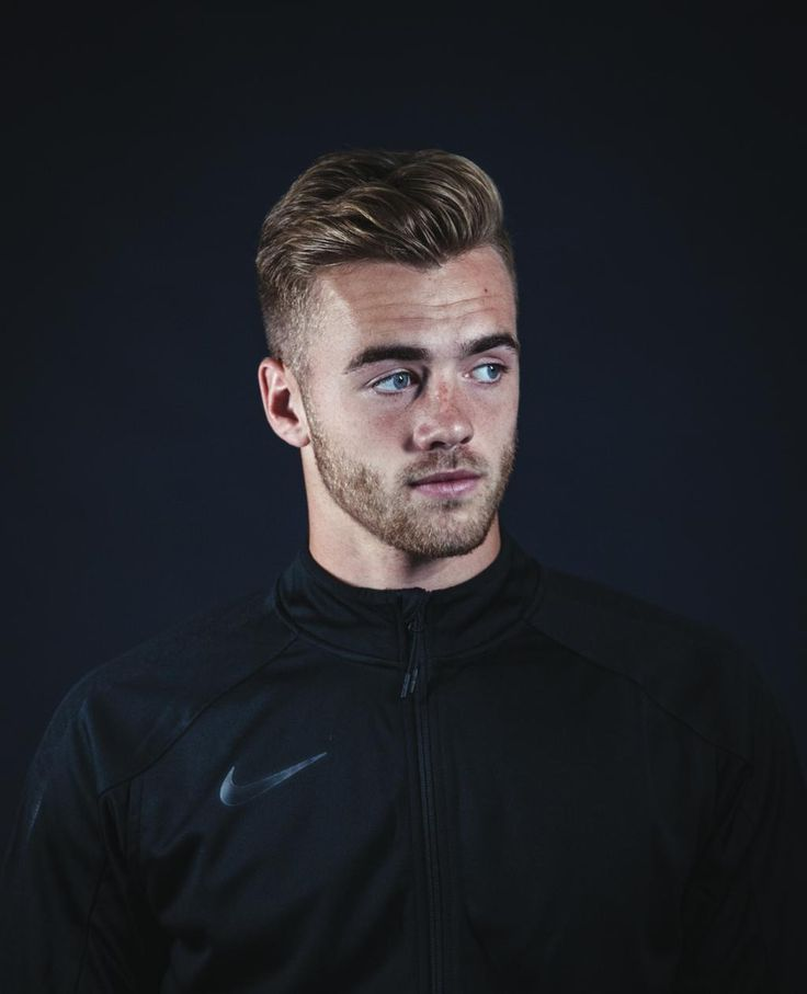 Calum Chambers on learning from Mertesacker & Koscielny. Q&A with @GregLeaFootball here: http://rabonamag.com/qa-calum-chambers/ …