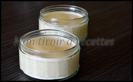 Rapides à faire et très faciles, ces crèmes à la vanille sont meilleures que les Danette! http://www.montiroirarecettes.com/2015/02/danette-la-vanille-maison.html