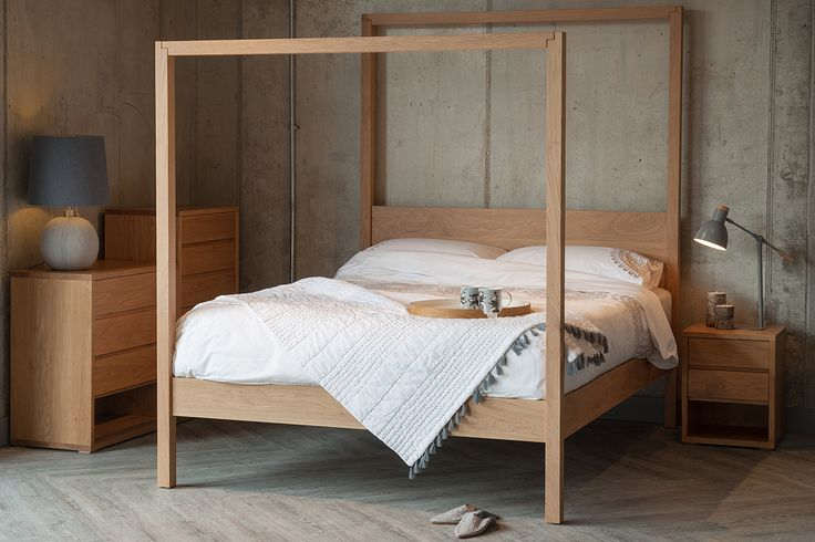 The Oasis is a modern canopy bed, available in a range of sizes and timbers. This luxury 4 poster bed is made in the UK. Buy online. Free UK Delivery.
