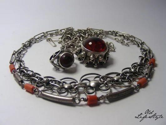 Naszyjniki ORNO/ necklaces ORNO/ polish vintage jewellery/ vintage silver necklace/ polish PRL jewellery #vintagejewellery #polishjewellery #PRLjewellery #polskabiżuteria #polskabiżuteriaPRL #necklace #amber #coral #ORNO