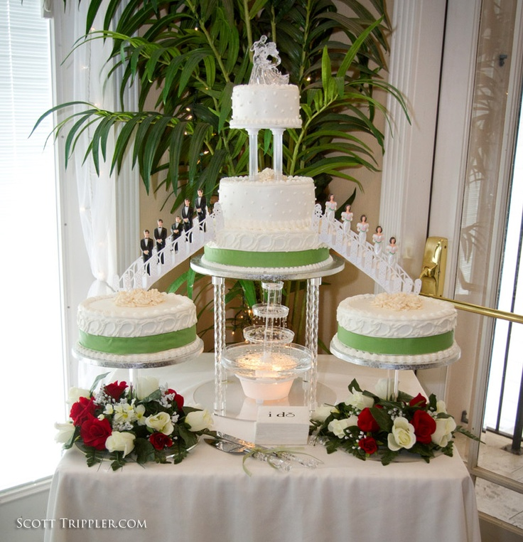 multiple wedding cakes ideas best 25 wedding cakes ideas on 17658