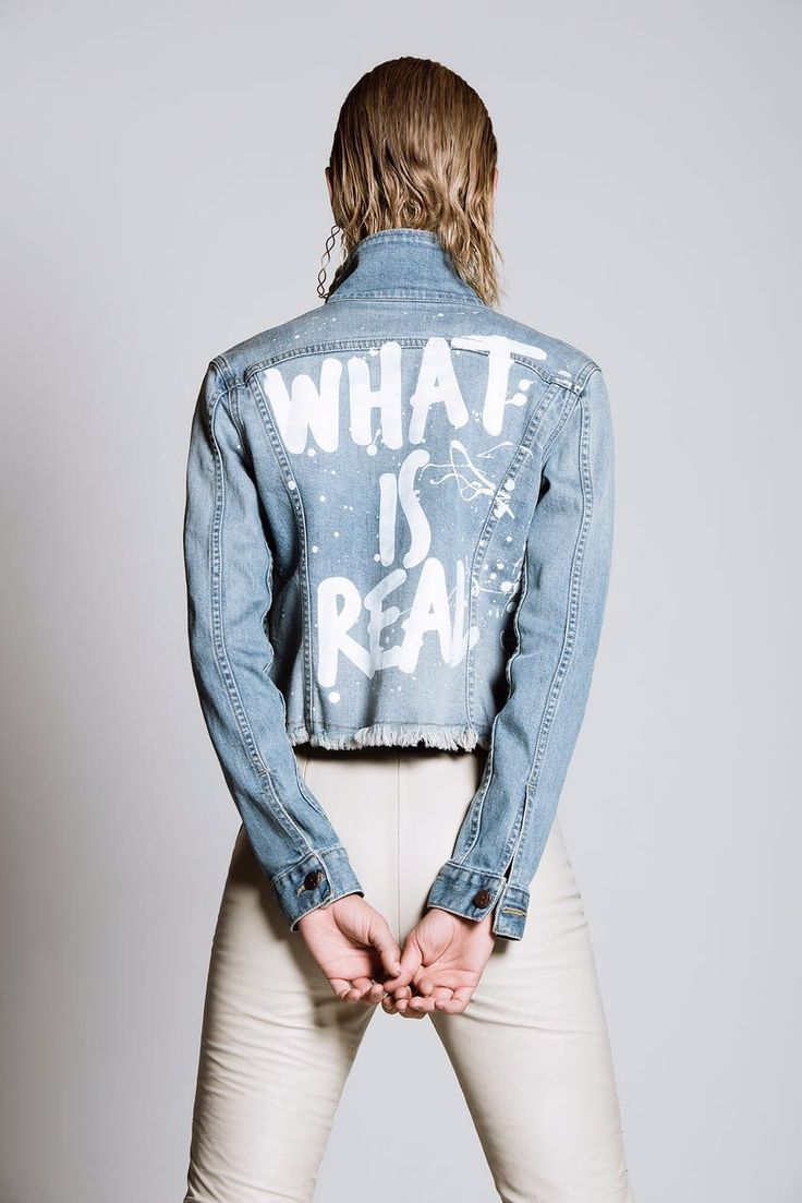 80'S Vibes 🎸#lightblue #jacketjeans #trulynatural  #model #thisiswonderful #transgression #fashion #goodvibesonly #class #girlsrock #instagood                 Foto de: Revista Quémepongo el Colombiano.