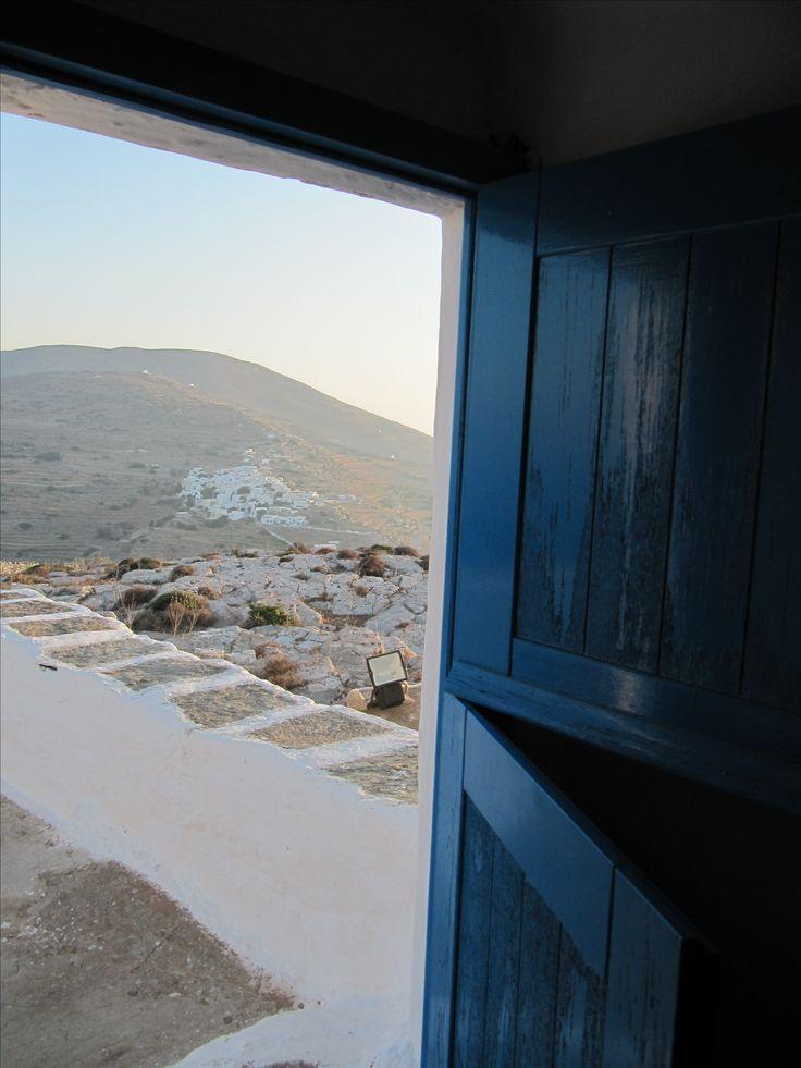 A cycladic chapel overlooking Chorio of Sikinos, Greece #Sikinos