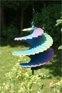 Wooden wind spinner
