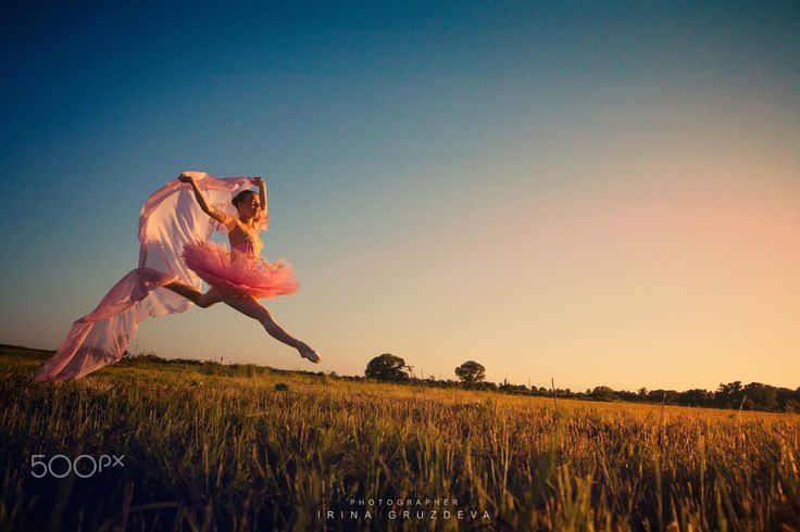 ph.: I.Gruzdeva www.irinawedfoto.ru  Moscow Individual art projects. I pick up for each client images that are suitable to him. This girl - a professional dancer. Индивидуальные арт проекты. Я подбираю под каждого клиента образы, которые подходят именно ему.  Эта девушка - профессиональная балерина.