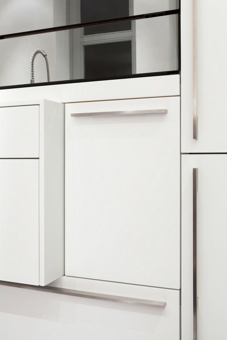 ber ideen zu hochschrank k che auf pinterest hochschrank schubkasten und hochglanz. Black Bedroom Furniture Sets. Home Design Ideas