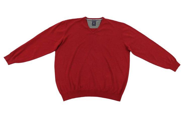 Sweter w kolorze czerwonym. Dla Panów o dużych rozmiarach. Sweter idealnie pasuje do koszuli bądź koszulki polo. Skład: 100% bawełna
