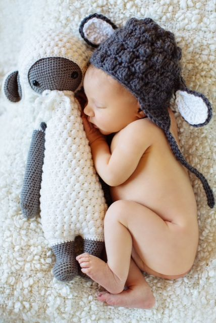 LUPO the lamb and hat made by Michelle T. / crochet pattern by lalylala