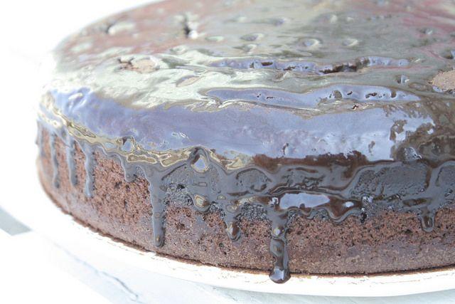 Se hai voglia di un dessert particolare e delizioso, la torta ubriaca Bimby con cioccolato e vino rosso è quella che fa al caso tuo :-)