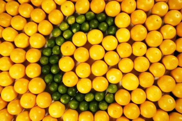 Τα πλούσια σε βιταμίνη C τρόφιμα προστατεύουν από τον καταρράκτη στα μάτια