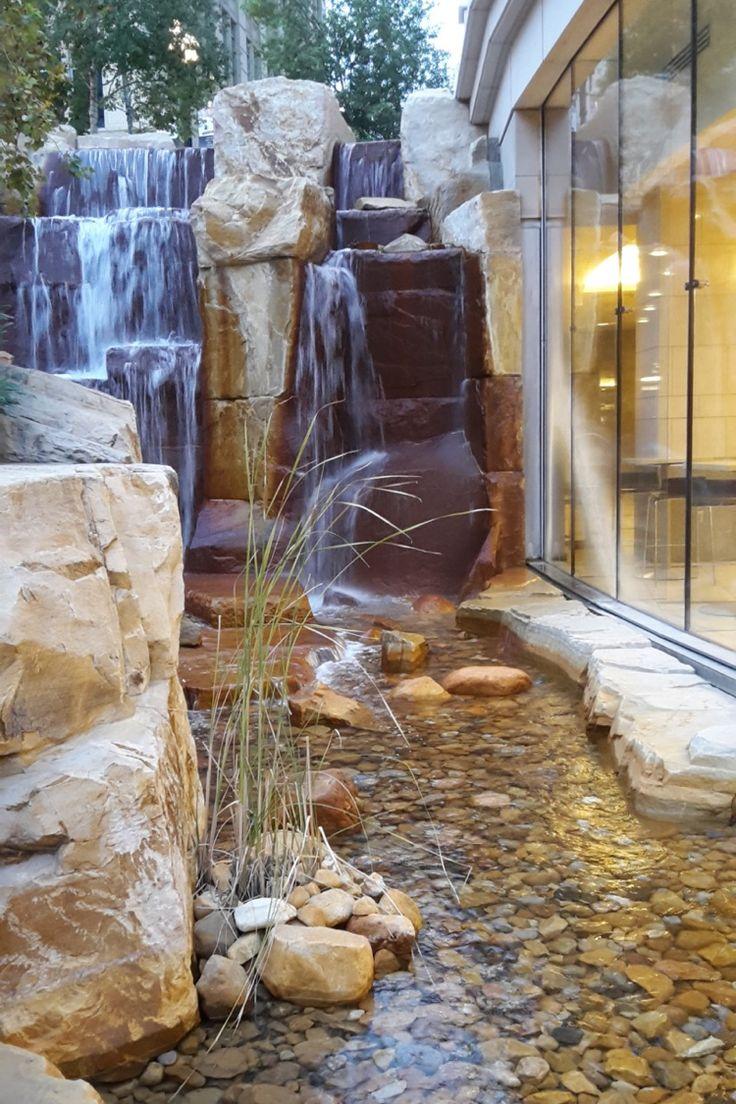 Die besten 25 teich wasserfall ideen auf pinterest for Teich mit steinen