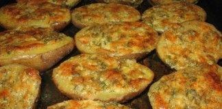 Chutné česnekové brambory s máslem a bylinkami!