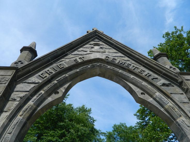 Erie street cemetery photography cleveland photography