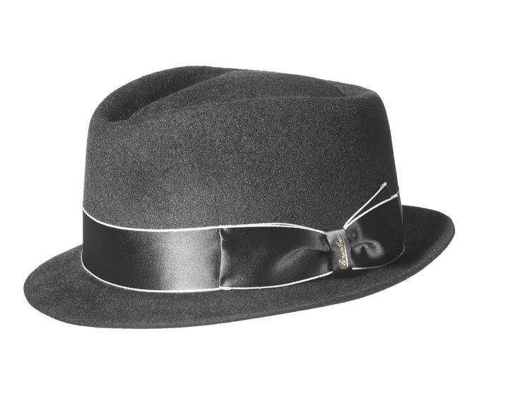 #Borsalino Cappello in feltro velour, testa a diamante, ala piccola, sfoderato, cinta in raso bordata e logata. Made in Italy.