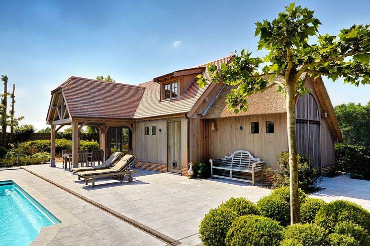 Poolhouse in eik met dakkapel | Bogarden