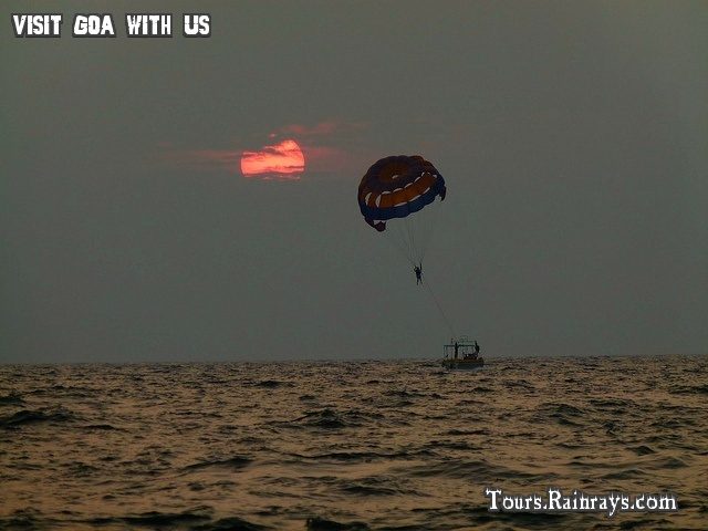 Tourist Attraction India: Tourist Place Baga Beach Goa    travel packages deal