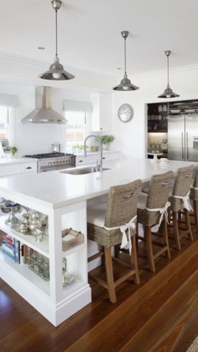 72 best hamptons style kitchens images on pinterest for Hampton style kitchen stools