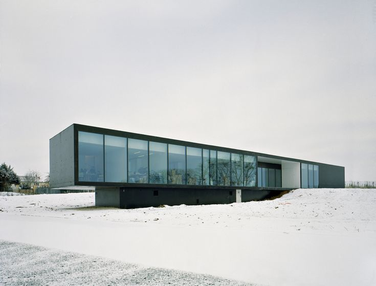 Marchesini headquarters lan architecture minimalist for Minimalist house construction