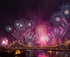 Event: Sunsuper Riverfire, Brisbane Festival - 28 September 2013 #brisbane #fireworks #storybridge