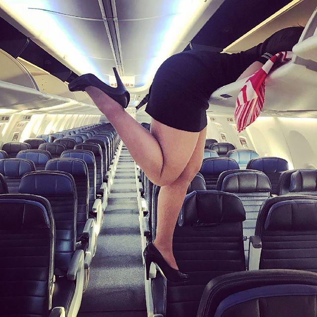 Instagram media by cabincrewlifee - Santa,where is the my gift?✈ #cabincrew #cabincrewlife #flightattendant #airhostess #aviation #flywithme #crewlife #stewardess #aviationlovers #uniform #nylon #crewfie #stocking #pantyhose #collants #trollydolly #airbus #aircraft #avgeek #legs #azafata #aeromoça #airlineangels #flygirl #fashion #fitness #travel #germanwings #deltaairlines #americanairlines