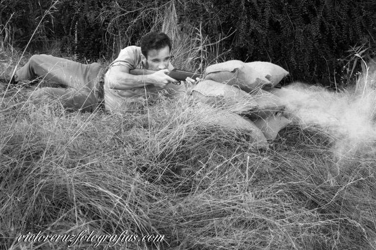 Retratos de Amor y Guerra, es un proyecto fotográfico el cual quiere reflejar el dramatismo de una pareja en la época de la guerra civil española.