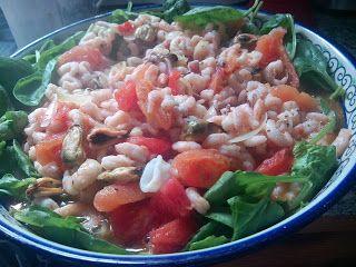 Frutti di mare and spinach salad / Sałatka z owoców morza ze szpinakiem na ciepło
