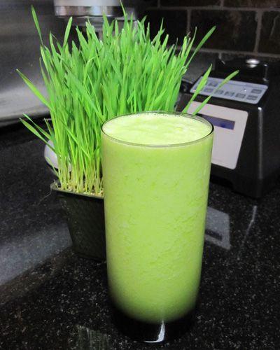 Banana, Orange, Wheatgrass. I really want to start drinking this for breakfast