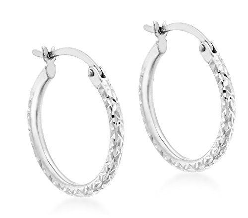Carissima Gold 9 ct White Gold 18 mm Diamond Cut Creole Earrings No description (Barcode EAN = 5050982070671). http://www.comparestoreprices.co.uk/december-2016-6/carissima-gold-9-ct-white-gold-18-mm-diamond-cut-creole-earrings.asp