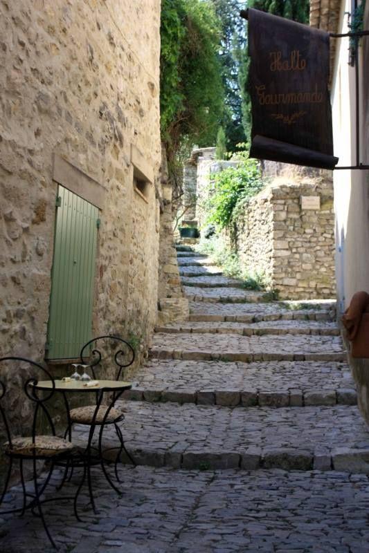 Vaison-la-Romaine  Rue du Château 84110 Vaison-la-Romaine France