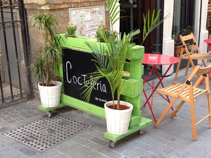 74 best images about terraza bar on pinterest restaurant - Maceteros con palets ...