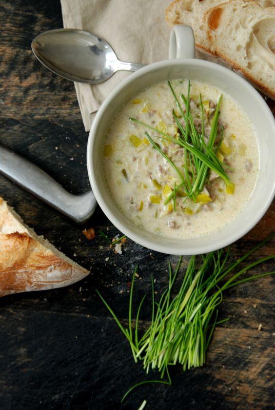 Käse-Lauch-Suppe. Einfach mit Hafer-Cuisine statt Käse...Probieren!