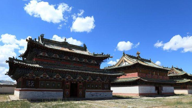 Karakorum - Située dans la vallée de l'Orkhon, cette ancienne ville mongole a été fondée en 1235 par Ögödei, fils de Gengis Khan. Elle fut la capitale de l'empire Mongol jusqu'en 1260.
